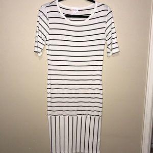 LuLaRoe Julia Dress. Size Small.